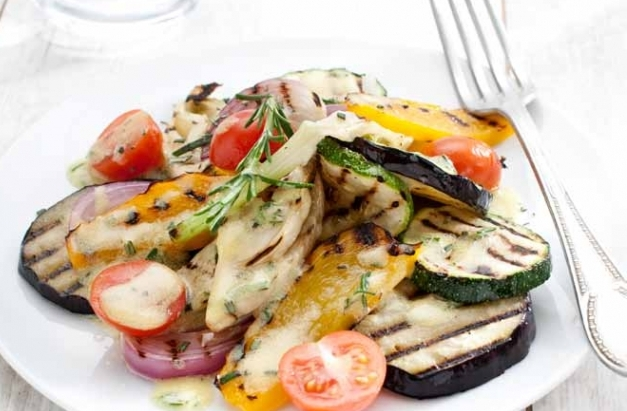 Groentesalade met mosterddressing (vegetarisch)