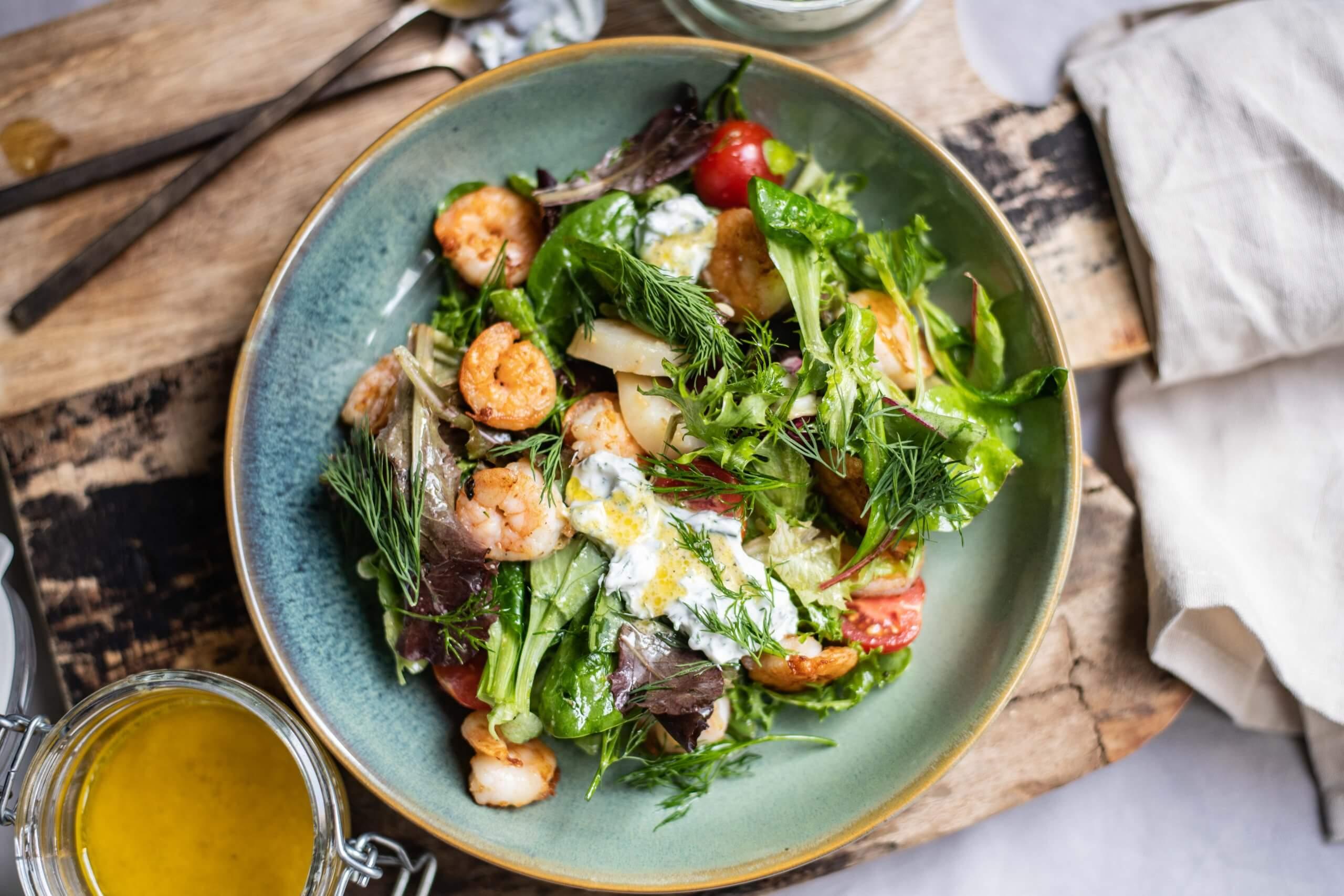 Salade van garnalen en coquilles