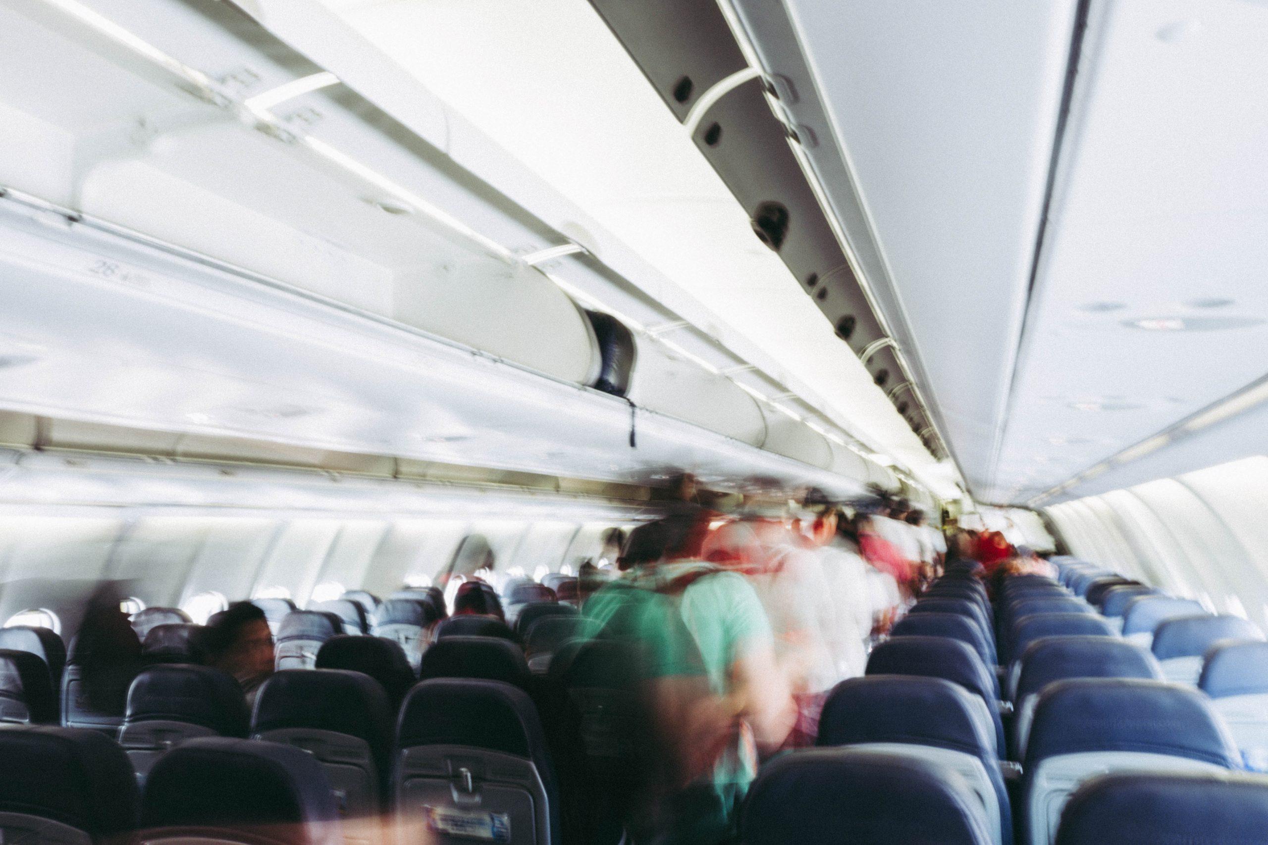 Op vliegvakantie? Zo zorg je voor een gezonde reis