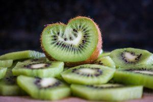 Foodhack: zo ontvel je een kiwi in 0,2 seconde