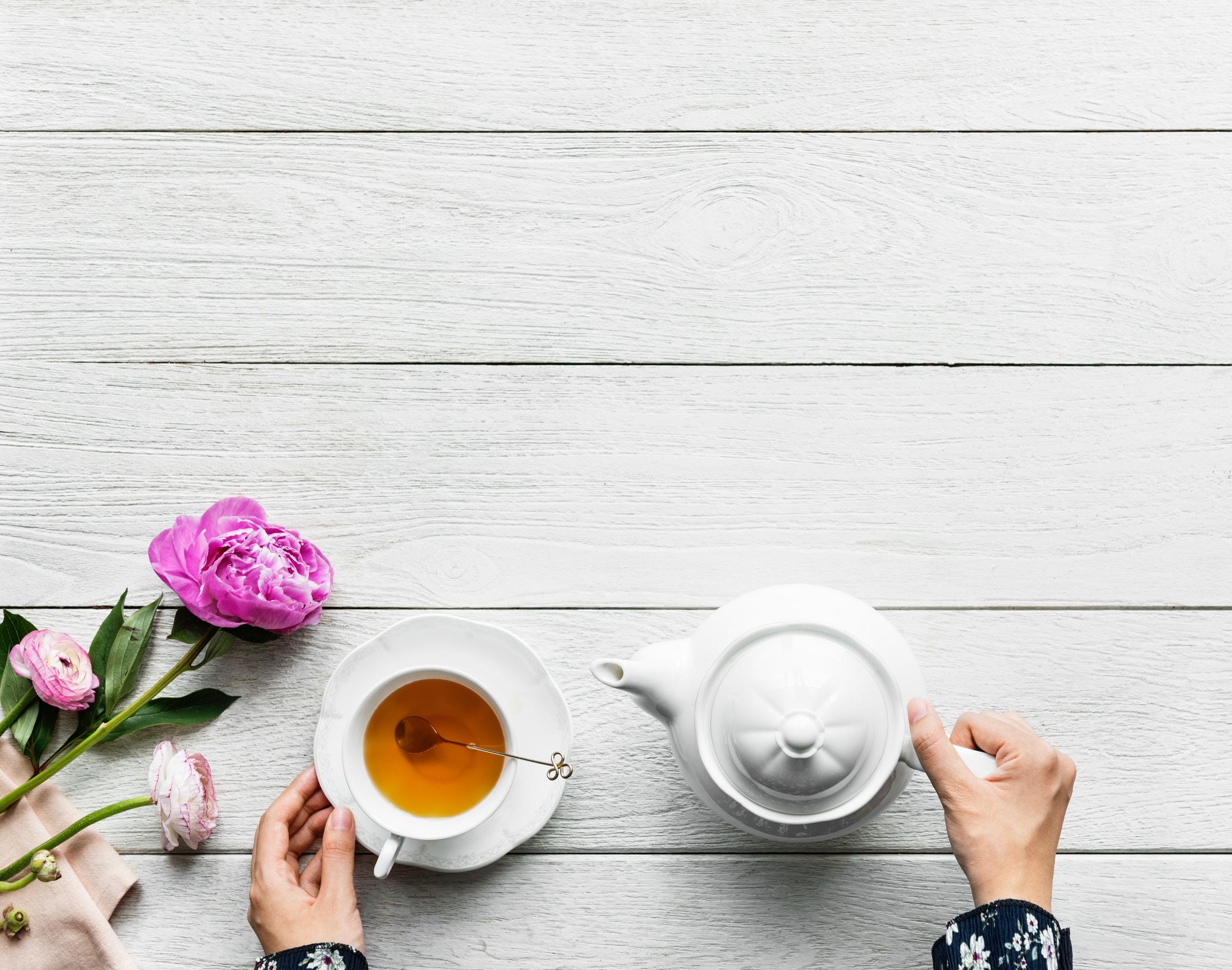 Deze thee zuivert je lichaam, ontgift én geeft energie
