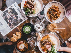 Drinken tijdens het eten: is dat goed of slecht?